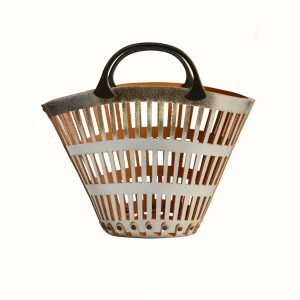 Small_basket_in_leather_Cut_Off_leather_bicolor