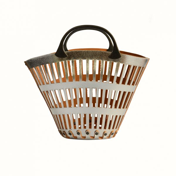 1_Small_basket_in_leather_Cut_Off_leather_bicolor_Gabriela_Vlad