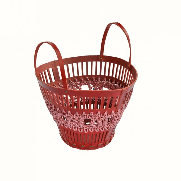 Basket_in_leather_and_crochet