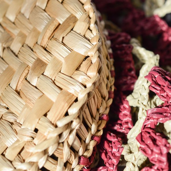 Small_basket_rafia_Crochet_with_handle_in_leather_Bordo_and_natural_RUSH